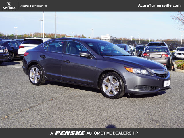Pre-Owned 2014 Acura ILX 4dr Sedan 2.0L
